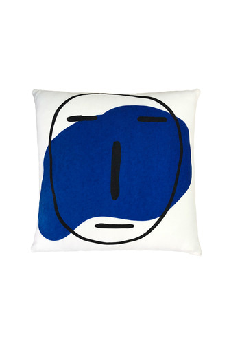 POKER FACE CUSHION (IVORY)